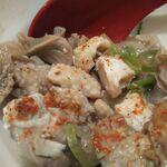 水炊き・焼鳥・鶏餃子 とりいちず - 必須アイテムの一味唐辛子