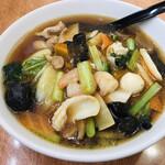 中華料理 シンゲン - 料理写真:五目ラーメン=800円 税込