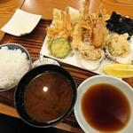134482058 - 天ぷら定食、税別2,400円也。
