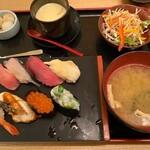 雛鮨 - 今月の彩り御膳