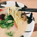 賀正軒 - ストレート細麺(カタメン)