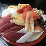 寿司富 - チラシ(すり切り盛)900円