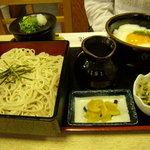 ニ滝そば - 料理写真:ミニとろろ丼定食(玉子入り) 700円