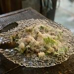 grilled beef winebar zuiji - ・ロメインレタスと自家製パンチェッタのジューシーなシーザーサラダ 2P 600円