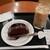 カフェ・ベローチェ - チョコレートケーキ 360円、アイスロイヤルミルクティー 270円