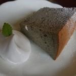 六古窯 - サービスのシフォンケーキ