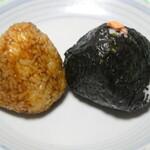 ファースト ナイトウ - 料理写真:味噌おにぎりと鮭のおにぎり