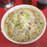 ラーメン二郎 - 料理写真:小ラーメン ブタ二枚 750円