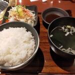 134519315 - ご飯もワカメスープも美味しい