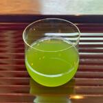 134519447 - 水出しの煎茶