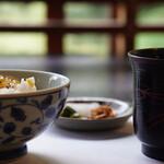 豆匠 - コーンご飯、味噌汁、香の物