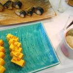 スカイロード - 魚は塩サバ、ちゃんと大根おろしもあります。 そして玉子焼き。