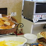 スカイロード - 胚芽パン、レーズンパン、ブリウォッシュと山形食パン