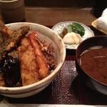 てんぷら みかわ - ランチ 天丼(赤だし、香の物)