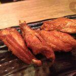 水炊き・焼鳥 とりいちず酒場 - 、伝統の手羽唐チキンボー4本236円
