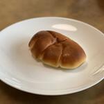 パンの店 ポルカ - ・自家製 カスタードクリームパン 151円/税込