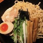 将軍らーめん - 料理写真:あっさり石焼つけ麺 並盛り300g 840円 麺は『傾奇者』さん。ツルツルの極太麺。