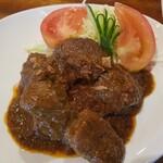 スカスカ - 牛肉の角煮インドネシアスタイル(ルンダン)