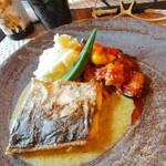 蔵KURA - 本日の鮮魚 「豊洲市場から仕入れている新鮮な魚」 1350円 鰆でした。