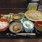 麦とろ 銀丸本店 - 料理写真:寺子屋膳!寺子屋の給食?質素な食材ながら豪華だ!