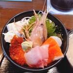 134568585 - 海鮮丼1680円