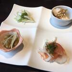 中国料理 桃李蹊 - ランチメニュー(桃ほのか)(税込 1,628円)評価=◎ の前菜です