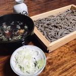 手打ち大石田そば きよ - 板そば 普通盛(900円)と鳥つけ汁(250円)