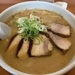 らー麺 ふしみ - 合わせ味噌(オリジナルパイタンスープ) チャーシュー麺で