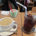 134581987 - ホットコーヒー&アイスコーヒー