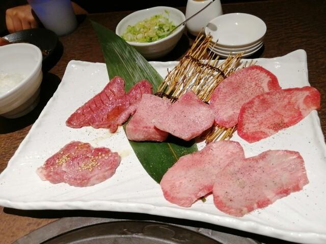 韓々の料理の写真