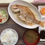 丸吉食品 - 毎日数量限定の魚定食。