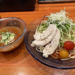 塩元帥 - トマトと魚介の冷やしつけ麺 880円