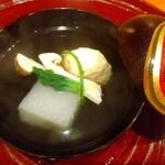 134599651 - エビと蓮根のしんじょう、松茸、冬瓜のお椀