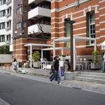 ソーシャルデザインカフェ ソボロ - 2009/3月:京都文化博物館に隣接する白い躯体部分が当店