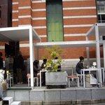 ソーシャルデザインカフェ ソボロ - 2009/3月:向って左側が注文を受けるカウンターと厨房になってます