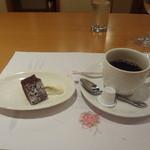 13460622 - チョコレートケーキ(自家製)、コーヒー