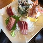 三崎「魚市場食堂」 - 刺身