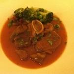 アレーナ・ロッサ - 主菜 オッソブーコ 骨付牛スネ肉のトマト煮込み