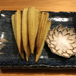 134610447 - 焼きヤングコーンを岩塩で ¥300(税込)