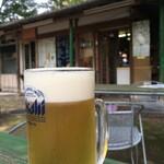 マサラ - 生ビールと店の外観。