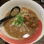 塩豚骨 らー麺 雄 - 料理写真:醤油豚骨ラーメン 750円