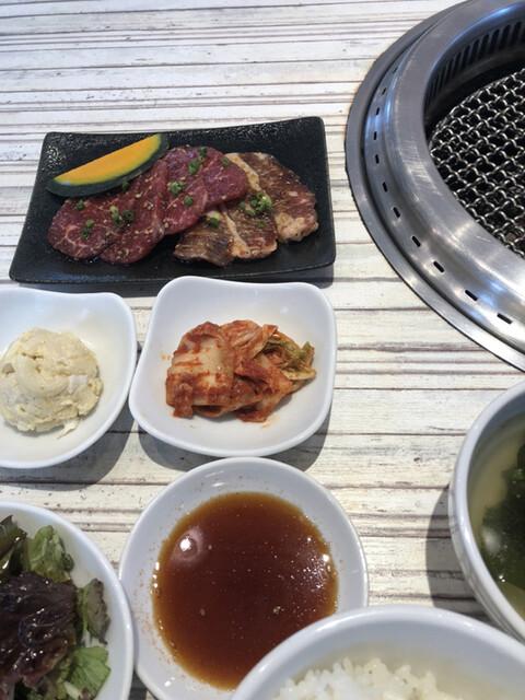 焼肉・韓国料理 KollaBo 田町店の料理の写真