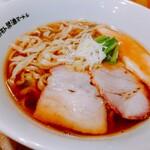 オカモト醤油ヌードル - (参考)友人の食べた「オカモト醤油ヌードル(手もみちぢれ麺)」