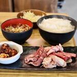 東浦ホルモン - B定食