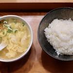 焼肉 御華 - 玉子スープとライス