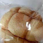 ベイメロンパン - 料理写真: