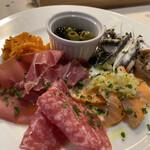 ケゴマチコモン wine&dining -