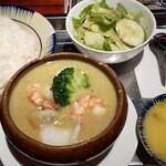 ベトナム料理 NONLA -