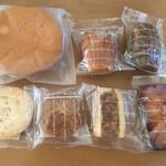 パティスリーコア - 料理写真:焼き菓子達