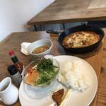 ナナイロ食堂 - 丸ごとチキン